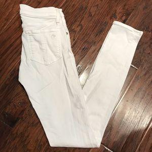 Rag and Bone skinny white jeans. Size 24